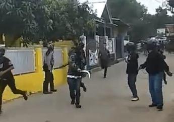Bandung Mencekam, Video Dua Ormas Bawa Celurit, Bambu dan Golok Terlibat Bentrokan, Pemotor Kocar-kacir Ketakutan