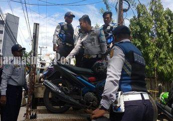 Hukumannya Dijamin Bikin Kapok, Petugas Dishub Kota Banjarmasin Angkut 7 Motor yang Parkir Sembarangan