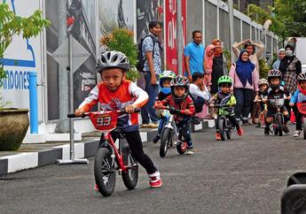 Anak-Anak Pushbike Diberikan Pengenalan Safety Riding Oleh Astra Motor Yogyakarta