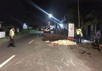 Puluhan Ayam Berserakan di Jalan, Pemotor Jupiter Tutup Usia Tertimpa Pikap, Kondisi Korban Mengenaskan