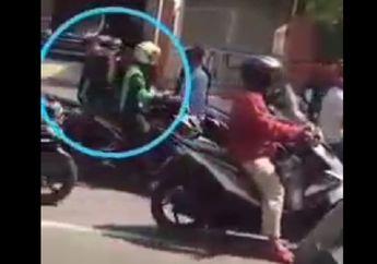 Helm Sampai Masuk Got, Debt Collector Terkapar Dikeroyok Puluhan Driver Ojol,  Salah Paham Berujung Pemukulan