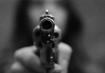 Sok Jagoan Koboi Jalanan Todongkan Pistol ke Pemotor Dikepung Warga
