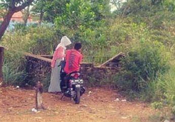 Bikin Geger, Video Pasangan Siswa-Siswi SMK Asyik 'Wik-wik' di Atas Motor Tersebar, Seragam Sekolah Berserakan