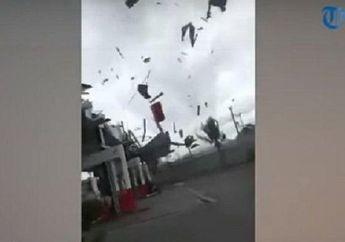 Ambarawa Mencekam, Angin Puting Beliung Hancurkan Atap Pom Bensin, Pemotor dan Pengemudi Mobil Kocar-kacir