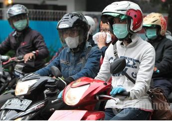 Biker Wajib Pakai Sarung Tangan Dan Masker Saat PSBB, Berkah Buat Pedagang Dadakan