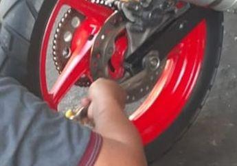 #Ngopreksantuy Cuma Pakai Alat Ini Bisa Bikin Rantai Motor Anti Kendur, Begini Cara dan Trik nya