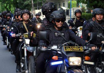 Brimob Bermotor dan Bersenjata Lengkap Bubarkan Kerumunan Remaja Pesta Miras saat PSBB Corona