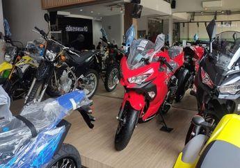 Kawasaki Ninja 250 2 Silinder Diobral, Apa Karena Ninja 250 4 Silinder Mau Dijual di Dealer?