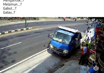 Ngeri, Seorang Wanita Terkapar Setelah Motor Matic yang Dikendarainya Hantam Truk Parkir, Galau atau Ngantuk?