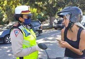 Bule Cantik dan Seksi Nekat Tidak Pakai Masker Saat Riding Langsung Distop Polisi