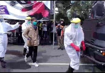 Geger! Video Pemotor Berstatus ODP Corona Niat Masuk Surabaya Untuk Ketemu Saudara, Langsung Diamankan Petugas yang Pakai APD
