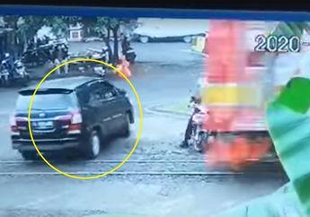 Breaking News, Remuk Toyota Kijang Innova Diseruduk Kereta dan Dua Pemotor Nyaris Terseret