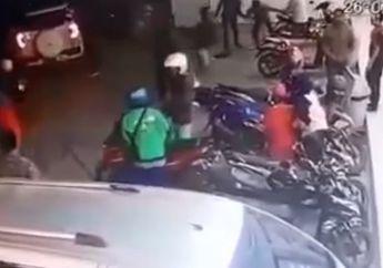 Geger! Pelaku Begal Tertangkap Warga di Depan Mini Market, Bogem Mentah Masuk Semua