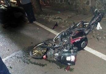 Pemotor Tewas Seketika, Kawasaki Ninja 150RR Ban Cacing Hantam Avanza di Pejaten Raya