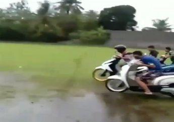 Kocak, Video Balap Motor di Lapangan Becek Sampai Guling-guling, Tapi Malah Dapat Dua Jempol dari Netizen