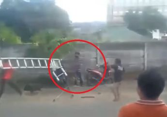 Warga Palembang Heboh, Video Maling Motor Diduga Punya Ilmu Kebal, Dipukul Malah Santai Saja