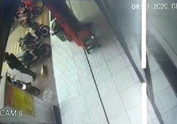 Video Tangis Pilu Seorang Cewek Langsung Pecah Tonton Rekaman CCTV Lihat Lelaki Berdiri di Depan Toko