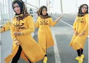 Untung Motor Enggak Ada Yang Berhenti, Ada 3 Mama MudaJoget TikTokdi Jembatan Suramadu Pastinya Bikin Macet Jalanan, Viral Videonya Langsung Minta Maaf