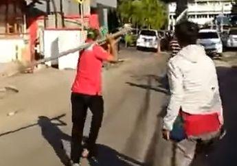 Warga Menjerit Ketakutan, Video Maling Gak Bergerak Dihajar Balok dan Dilempar Batu, Tetap Santai Berjalan Tanpa Luka