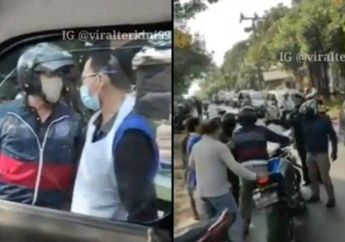 Warga Geram, Video Pemotor Hentikan Paksa Mobil Ambulans Yang Sedang Membawa Pasien Kritis, Masalahnya Sepele