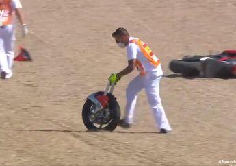 Merinding, Video Kecelakaan Stefano Manzi di FP1 Moto2 Spanyol 2020, Motor Terbelah Dua!