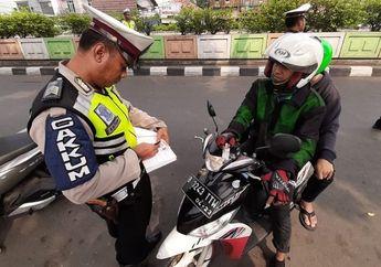 Kaget Razia Kepolisian Digelar Pas Tikungan atau Fly Over, Sebenarnya Boleh Gak Sih?