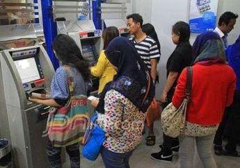 Serbu ATM Cek Saldo Tabungan Anda Jokowi dan Erick Tohir Sudah Kasih Bocoran Kapan Bantuan Corona Cair, Hore Beli Motor Baru