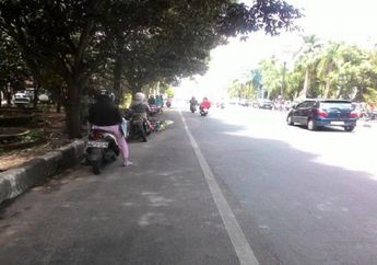 Street Manners: Pemotor Bisa Dipenjara atau Denda Rp 250 Ribu Cuma Gara-gara Berteduh Sembarangan, Waduh Cilaka