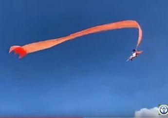 Bikin Heboh Biker! Video Anak Kecil Kebawa Terbang Layangan, Begini Nasib Bocah Itu Selanjutnya