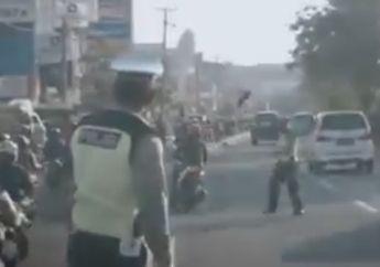 Koplak Nih, Aksi Razia Diwarnai Protes dari Motor Sampai Sepatu Polisi Melayang