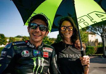 MotoGP Heboh, Pacar Valentino Rossi Umbar Pelecehan Umbrella Girl