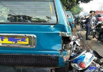 Brakkk! Pemotor Tabrak Angkot Sampai Ambyar di Bandung, Warga Geger Korban Langsung Dilarikan ke Rumah Sakit