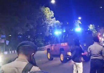 Solo Mencekam Titik-titik Masuk Kota Disekat 790 Personel Gabungan TNI Polri Brimob dan Kopassus, Pemotor Berbaju Hitam Diburu