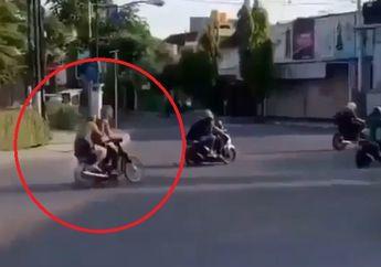 Viral! Aksi Dua Pemotor Banyak Tingkah, Panik Sampai Ambyar Pas Ketemu Polisi