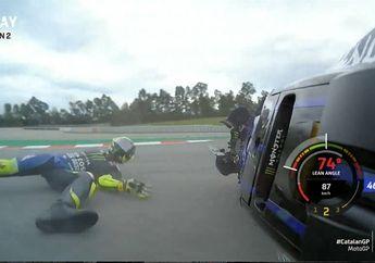 Brak... Sudah Nyaman di Posisi 2, Valentino Rossi Malah Crash di Lap ke-14