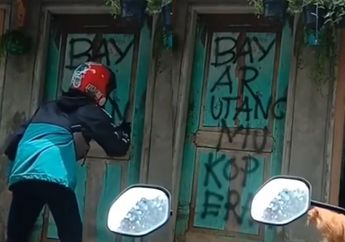Viral Video Debt Collector Coret-coret Rumah Buat Tagih Hutang, Netizen Malah Salah Fokus Sama yang Satu Ini