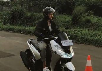 Awas Salah Fokus! Video Anya Geraldine Belajar Naik Motor Yamaha Lexi, Warganet Heboh Sendiri