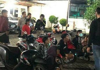 Seru Aksi Kejar-kejaran Tim Penikam Polrestabes Makassar dengan Pelaku Balap Liar, Penonton Kocar-kacir