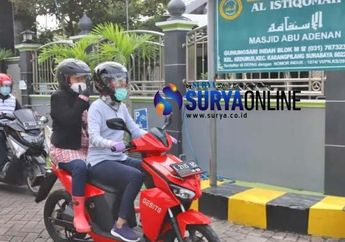 Ditunjuk Jadi Menteri Sosial, Tri Rismaharini Naik Motor Listrik Peringati Warga di Rumah Saja Saat Libur Natal dan Tahun baru