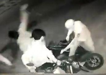 Cikarang Mencekam, Begal Bikin Pemotor Luka Motor Korban Masuk Sawah