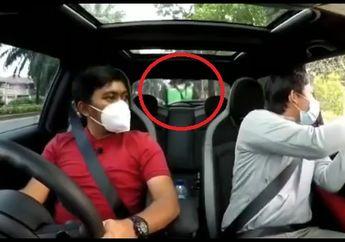 Fokus Main Hp, Driver Ojol Tabrak Mobil Berhenti Lalu Melarikan Diri