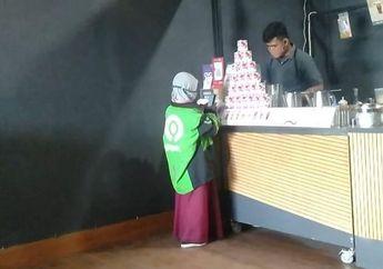 Anak Perempuan Ambil Orderan Pakai Jaket Ojol, Alasannya Bikin Terenyuh