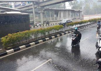 3 Daerah Ini Bakal Hujan Seharian, Bikers Jangan Lupa Bawa Jas Hujan
