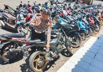 Video Polisi Razia Knalpot Racing atau Brong, Ngetesnya Pakai HP Bro