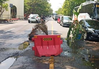 Street Manners: Jalan Berlubang Jangan Asal Pasang Rambu, Ini Aturannya