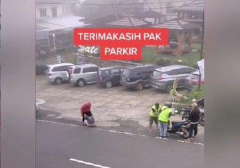 Tegang, Video Tukang Parkir Pasang Badan Selamatkan Ibu dan Bayi Yang Motornya Rem Blong