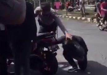 Viral Polisi Seperti Lupa Yamaha NMAX Motor Matic Digas Langsung Lompat