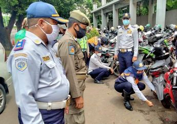 Ratusan Motor Ditindak Gara-gara Parkir Liar di Depan Kalibata City