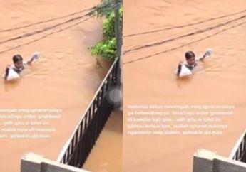 Kisah Driver Ojol Terjang Banjir demi Antar Makanan Dapat Penghargaan