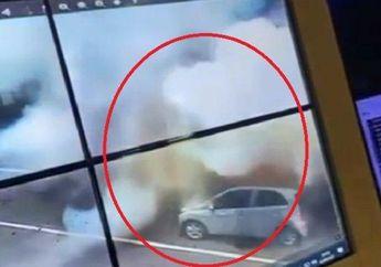 BREAKING NEWS, Bom Meledak di Gereja Katedral Makassar, Pelaku Naik Motor